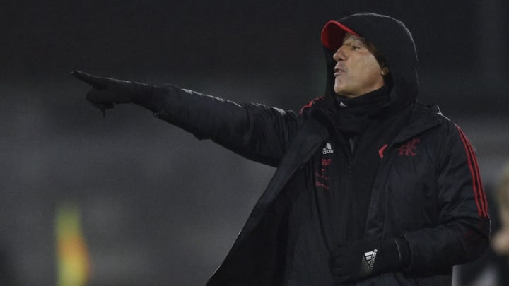 Mas já? Torcida do Flamengo critica declaração do treinador após triunfo na Argentina.