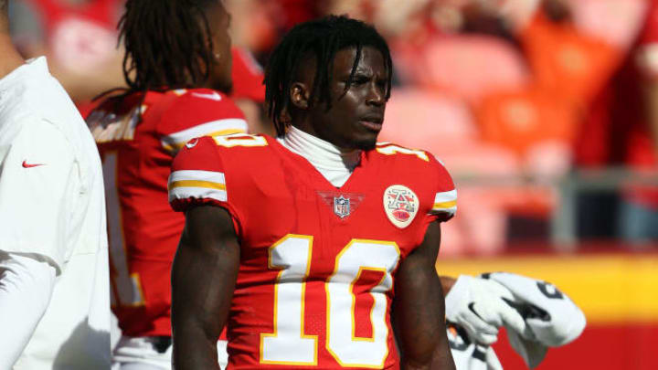 KANSAS CITY, MO - OCTOBER 28:  Wide receiver Tyreek Hill #10 of the Kansas City Chiefs warms up prior to the game against the Denver Broncos at Arrowhead Stadium on October 28, 2018 in Kansas City, Missouri.  (Photo by Jamie Squire/Getty Images)