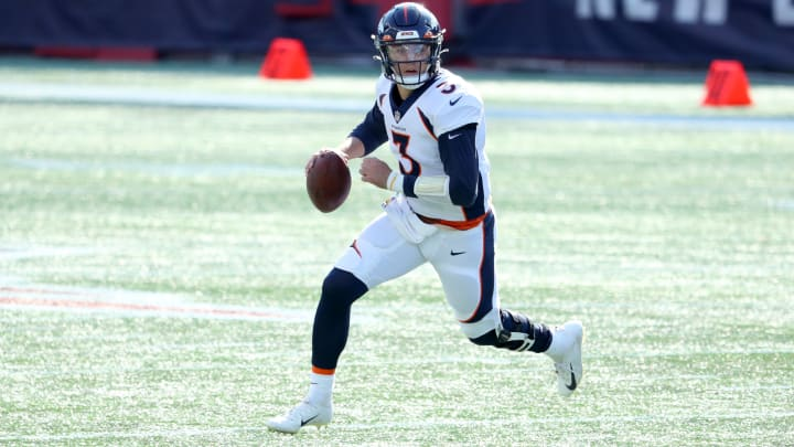 Chargers vs Broncos spread, odds, line, over/under and prediction for Week 8 NFL game.
