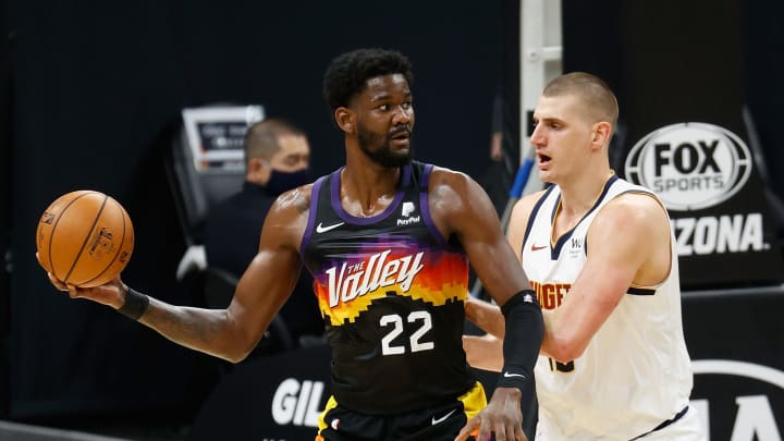 The Suns are favorites to beat the Nuggets in the Western Conference semifinals.