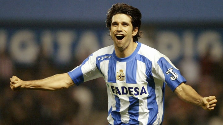 Deportivo's Juan Carlos Valeron celebrat
