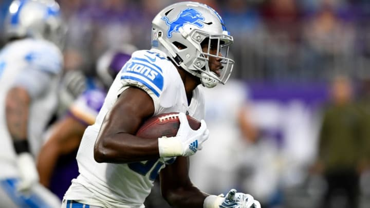 MINNEAPOLIS, MN - NOVEMBER 4: Kerryon Johnson #33 of the Detroit Lions runs with the ball in the first quarter of the game agains the Minnesota Vikings at U.S. Bank Stadium on November 4, 2018 in Minneapolis, Minnesota. (Photo by Hannah Foslien/Getty Images)