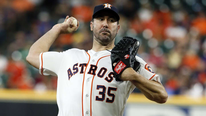 HOUSTON, TEXAS - AUGUST 21: Justin Verlander #35 of the Houston Astros pitches in the first inning against the Detroit Tigers at Minute Maid Park on August 21, 2019 in Houston, Texas. (Photo by Bob Levey/Getty Images)
