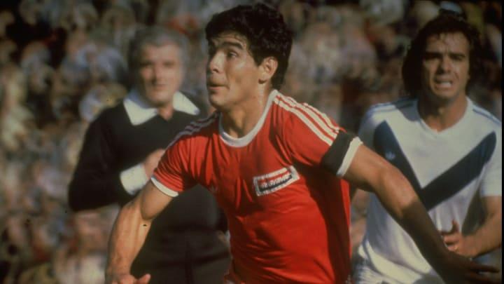 Diego Maradona a débuté sa carrière avec les Argentinos Juniors.