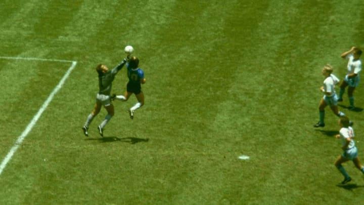 Diego Maradona, Peter Shilton