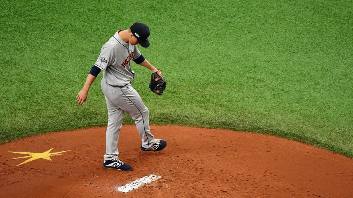 ST PETERSBURG, FLORIDA - OCTOBER 07:  Zack Greinke #21 of the Houston Astros prepares to pitch against the Tampa Bay Rays during the first inning in Game Three of the American League Division Series at Tropicana Field on October 07, 2019 in St Petersburg, Florida. (Photo by Julio Aguilar/Getty Images)