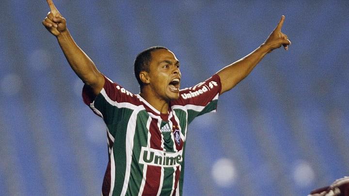 Dodo (L) and Dario Conca of Fluminense F