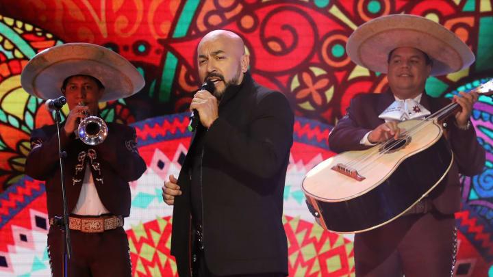 Lupillo Rivera es hermano de Jenni Rivera