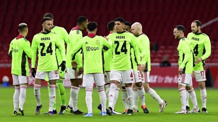 Die Ajax-Teamkollegen brachten ihre Solidarität zu Onana zum Ausdruck