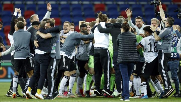Die deutsche U21-Nationalelf feiert den EM-Finaleinzug