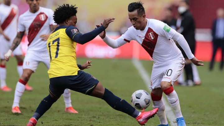 Após recente encontro nas Eliminatórias, Equador e Peru se enfrentam na Copa América.