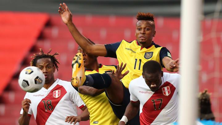 Ecuador v Peru - FIFA World Cup 2022 Qatar Qualifier - Ecuador y Perú se verán las caras por Copa América.