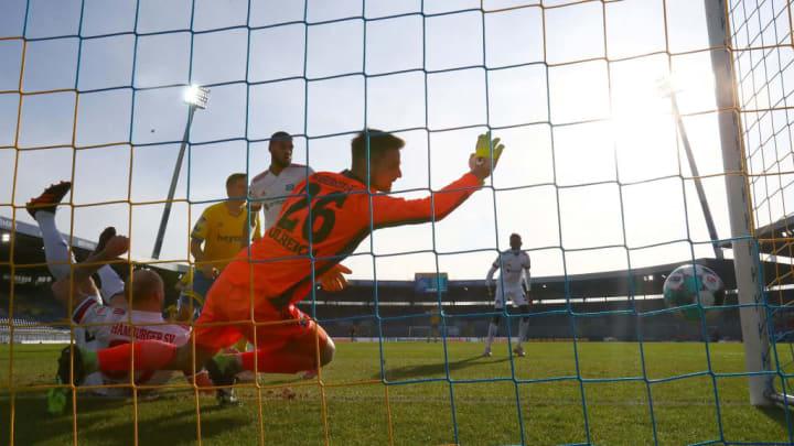 das 1:0 für den BTSV - Sven Ulreich kann nicht mehr klären