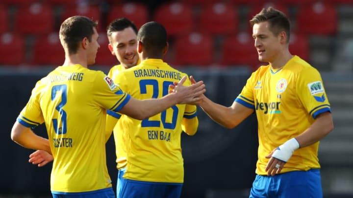 Torschütze zum 1:0 - Felix Kroos (re.)