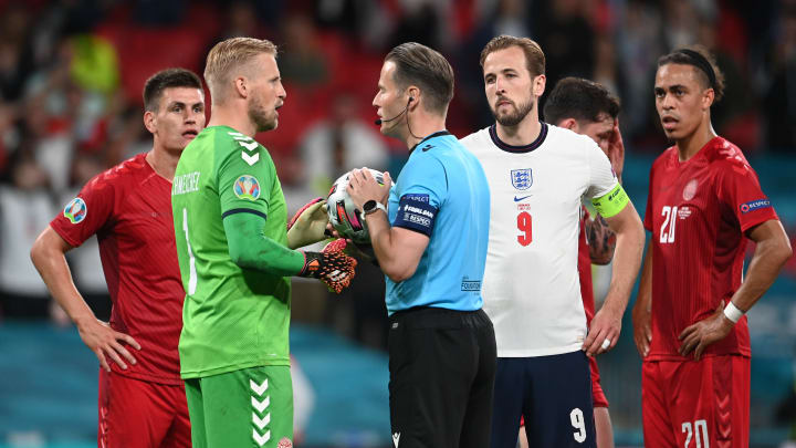 Kasper Schmeichel informed the referee of the obstruction against England