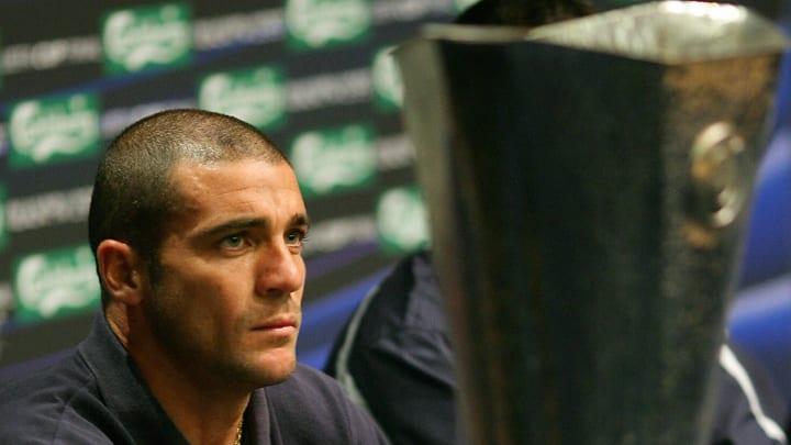 Espanyol Barcelona's Uruguayan forward W...
