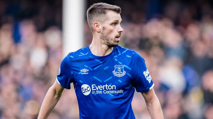 Morgan Schneiderlin is close to joining Nice