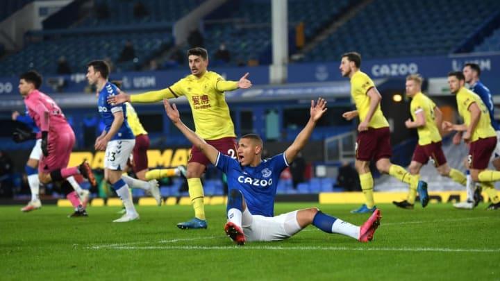 Everton perdeu seu último jogo contra o Burnley.