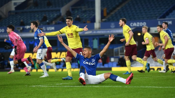 Com objetivos diferentes, Everton e Burnley se encontram na 4ª rodada da Premier League