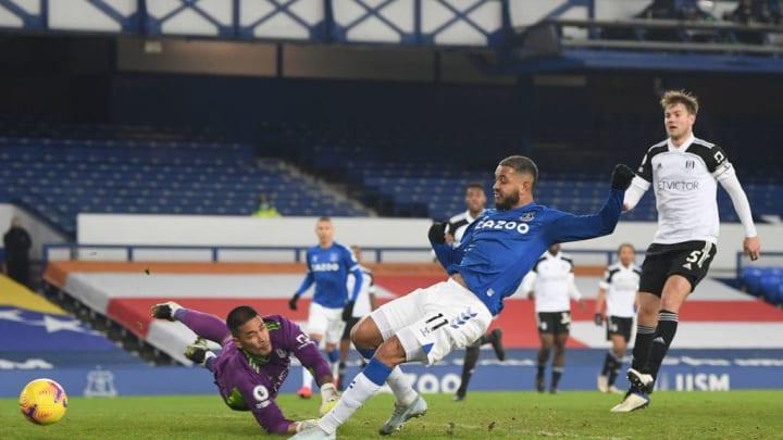 King menganulir gol karena offside