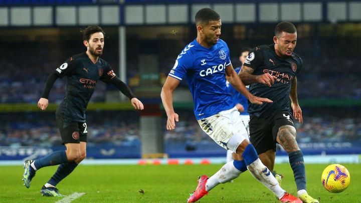 Everton e Manchester City se enfrentam pelas quartas de final da Copa da Inglaterra. Time que perder estará eliminado.