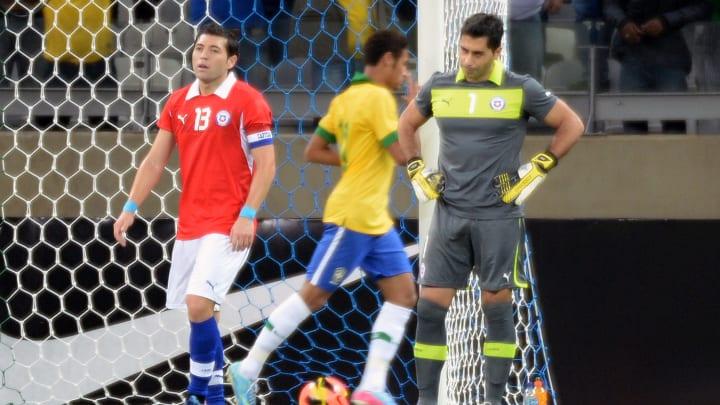 FBL--BRAZIL-CHILE-FRIENDLY-MATCH - Neymar festeja, Chile se lamenta. ¿Se repetirá?