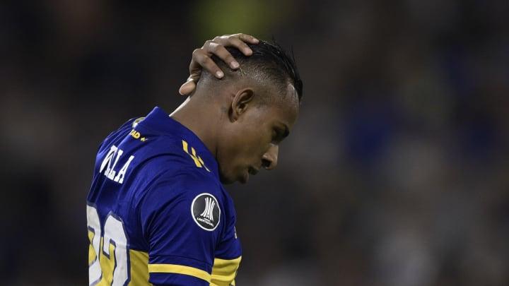FBL-ARGENTINA-COLOMBIA-VILLA-GENDER-VIOLENCE - Villa se agarra la cabeza.