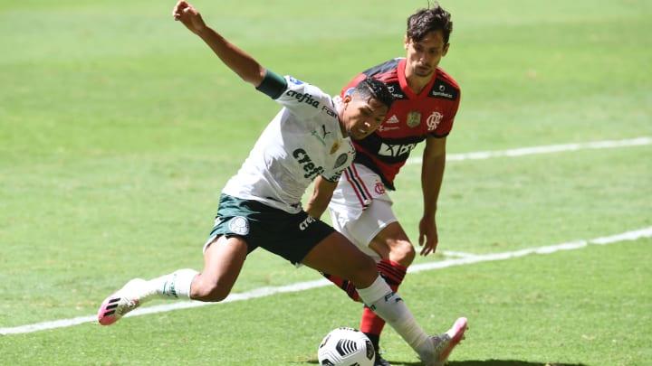 Flamengo e Palmeiras foram os últimos a vencer a Libertadores e não à toa têm os maiores gastos.