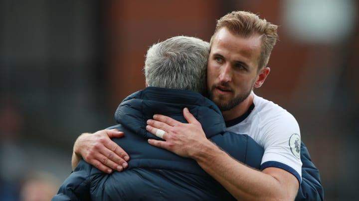 El delantero inglés podría pedir su salida si el equipo no se clasifica a la UEFA Champions League.