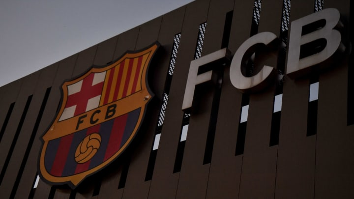 Dubai-Firma bietet Barca Übernahme des Schuldenbergs an