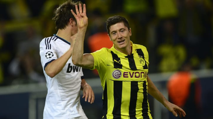 Robert Lewandowski lets everyone know how many goals he got against Real Madrid in a sensational performance