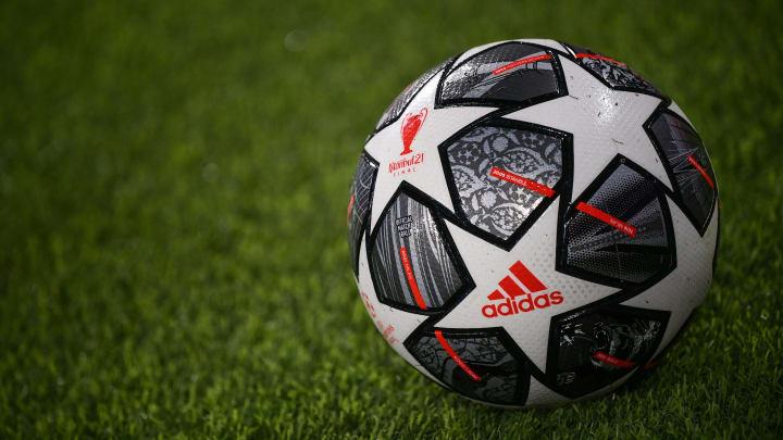 Il pallone ufficiale della Champions League 2020/21