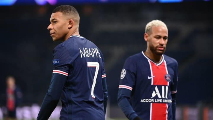 Mbappé y Neymar tienen contratos millonarios
