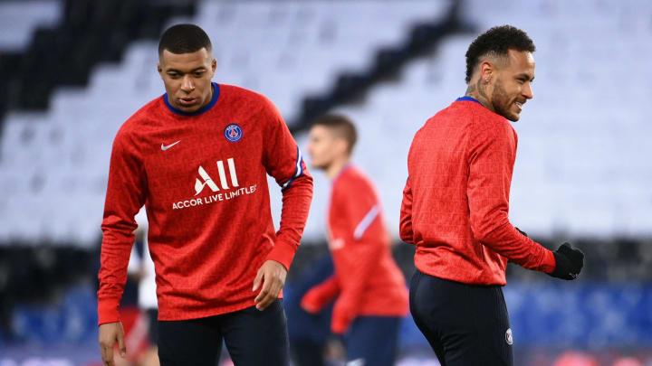 Mbappé e Neymar ainda não decidiram se renovarão com o PSG
