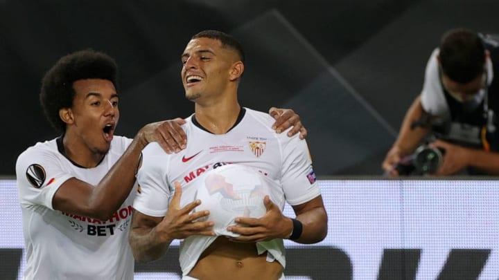 Diego Carlos et Koundé font partie des pistes du Real Madrid.