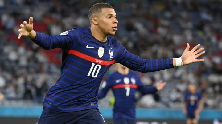 Mbappé é um dos grandes destaques do confronto | FBL-EURO-2020-2021-MATCH12-FRA-GER