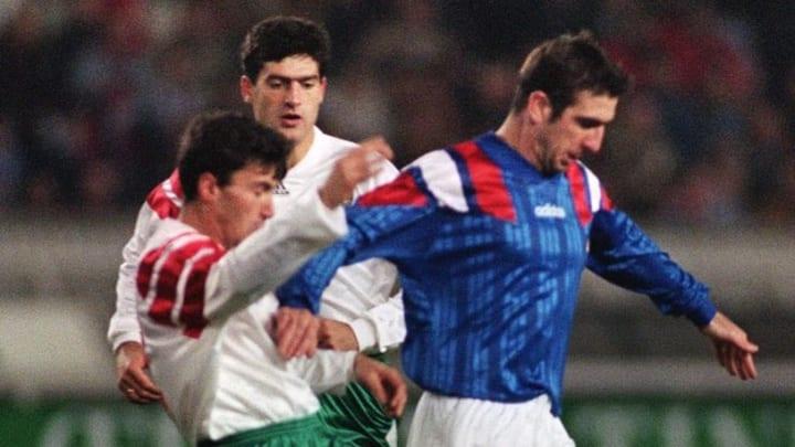 Eric Cantona a été relancé avec les Bleus par Michel Platini.