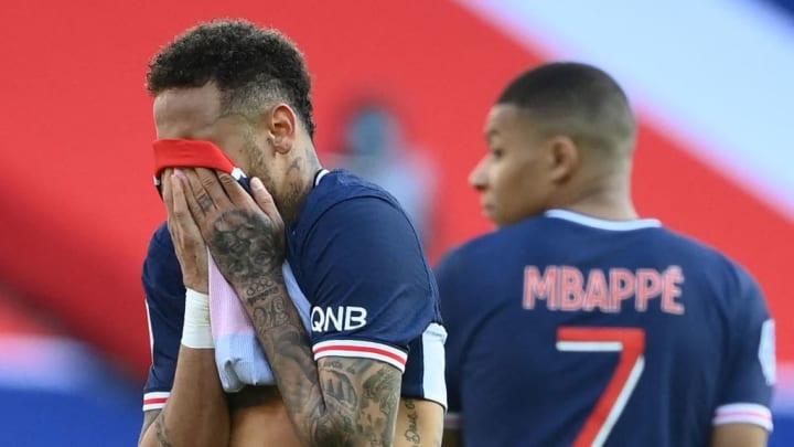 Tiago Djaló Neymar Expulsão Parque dos Príncipes PSG Lille