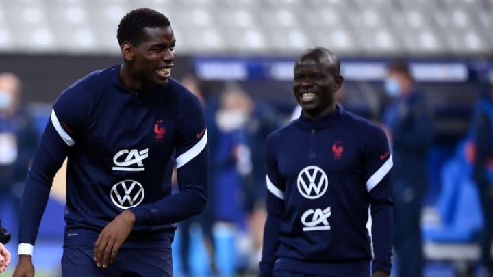 Paul Pogba et N'Golo Kanté avec l'Équipe de France.