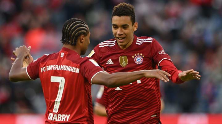 Könnten beide gegen Greuther Fürth ausfallen: Serge Gnabry (links) und Jamal Musiala