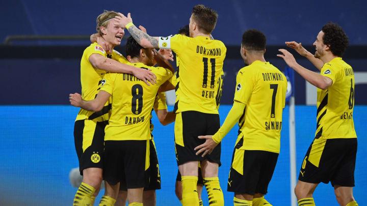 Borussia Dortmund gewinnt das Derby gegen den FC Schalke 04.