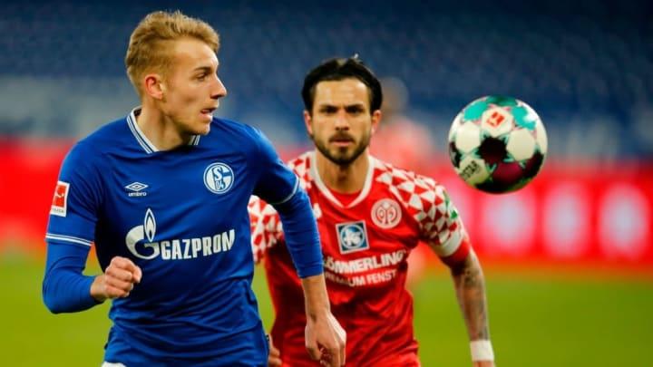 Timo Becker war Teil der neuen Schalker Dreierkette