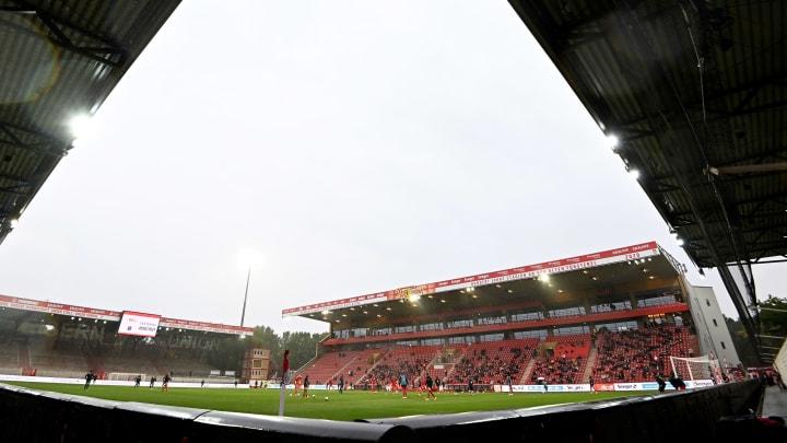 Union Berlin mit Fans beim Testspiel gegen Hannover 96