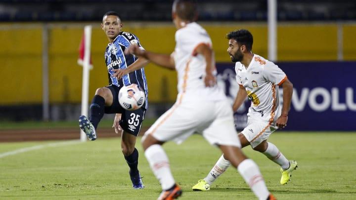Lateral soma 17 partidas em 2021   FBL-LIBERTADORES-AYACUCHO-GREMIO