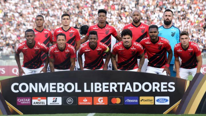 FBL-LIBERTADORES-COLOCOLO-PARANAENSE