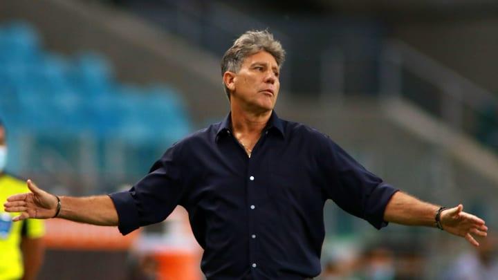 Jogadores do Grêmio foram impedidos de treinar nesta terça-feira (06), no Equador, e encontraram em contato com a Conmebol, que remarcou a partida.