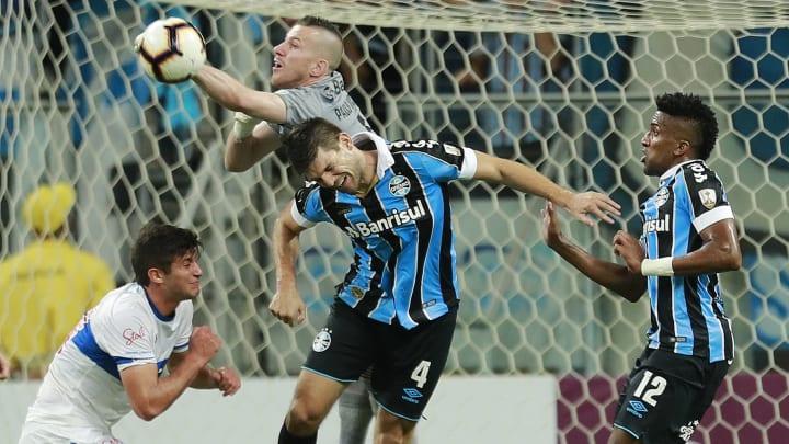 Paulo Victor dará lugar a Chapecó em partida contra o Santos