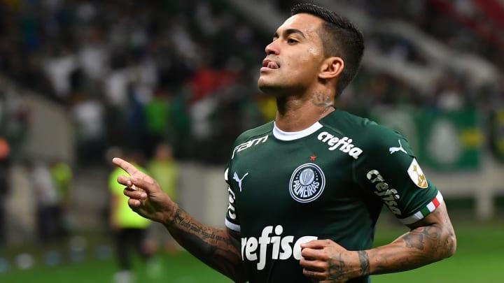 Através de seu Departamento Jurídico, o Palmeiras conseguiu com a Fifa a liberação imediata para inscrever Dudu e Pedrão em seu plantel.