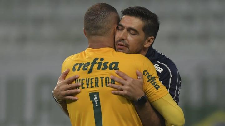 """Abel Ferreira destaca Weverton e elogia 'capitães muito fortes' do Palmeiras. """"Verdadeiros campeões""""."""
