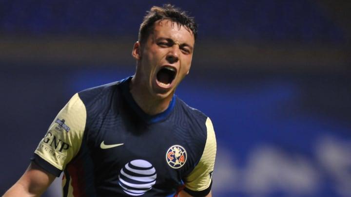 Federico Viñas porta el número '24' en la espalda, el mismo que utilizó Oribe Peralta durante cinco años con el América